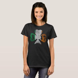 Camiseta Trevo feliz bonito do Dia de São Patrício