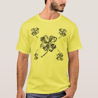 Camiseta Trevo tribal