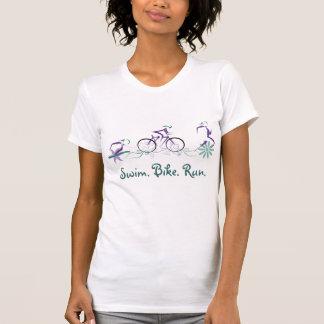 Camiseta Triathlete-Natação fêmea. Bicicleta. Funcionamento