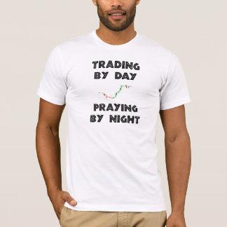 Camiseta Troca em o dia que Praying em a noite