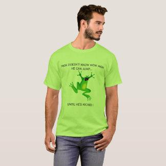 Camiseta Tshirt de salto verde dos desenhos animados do