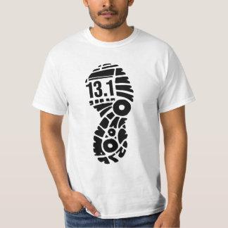 Camiseta tshirt engraçado de 13,1 homens da meia maratona