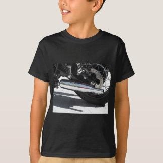 Camiseta Tubulação de exaustão cromada motocicleta. Vista