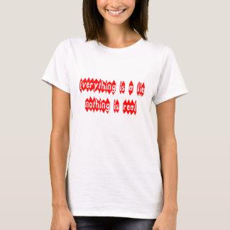 Camiseta Tudo é uma mentira