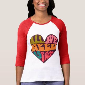 Camiseta tudo que nós precisamos é rocha, música, rocha