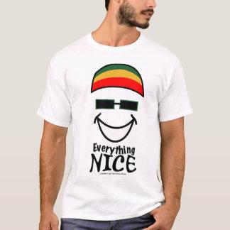 Camiseta Tudo t-shirt agradável