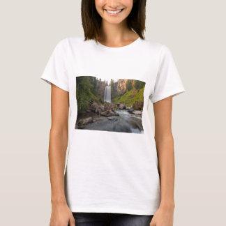 Camiseta Tumalo majestoso cai em Oregon central EUA