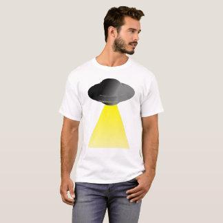 Camiseta UFO com feixe do trator