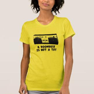 Camiseta Um Boombox não é um brinquedo