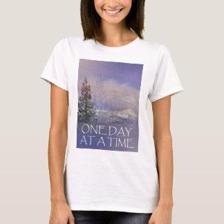 Camiseta Um dia em uma neve das colinas das árvores do