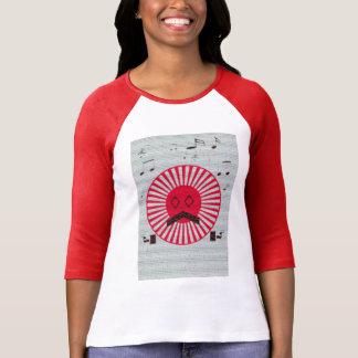 Camiseta um homem no t-shirt das mulheres do sol