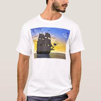 Camiseta Um navio de navigação preto de Corveta antes do