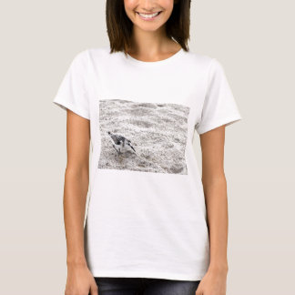 Camiseta Um pássaro novo da tarambola nevado