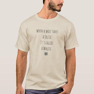 Camiseta Um selfie por um lobo