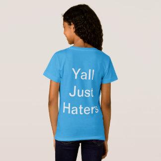 """Camiseta Um t-shirt com """"causa que?"""" e '' Issa Wat? ''"""