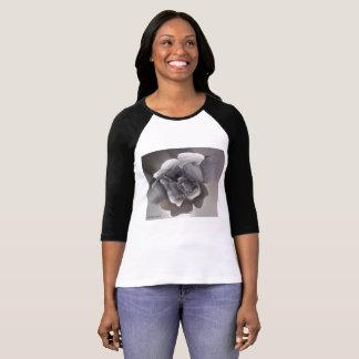 Camiseta Um t-shirt do desenho do rosa