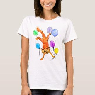 Camiseta Um vôo vermelho alegre com balões, t-shirt do gato