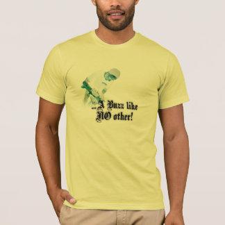 Camiseta Um zumbido gosta de não outro