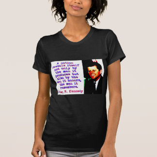 Camiseta Uma nação revela-se - John Kennedy