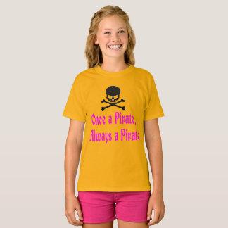 """Camiseta """"Uma vez um pirata, sempre o t-shirt de um miúdo"""