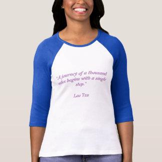 Camiseta Uma viagem de mil milhas de comprimento