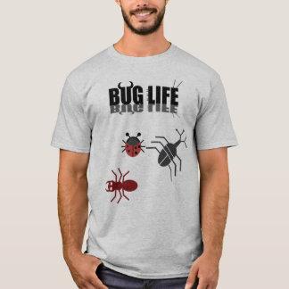 Camiseta Uma vida do inseto com besouro, formiga e ladybug.