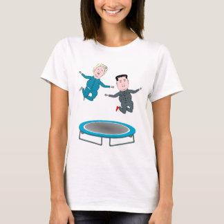 Camiseta Un de Kim Jong e presidente Trunfo