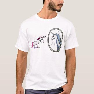 Camiseta Unicórnio antes de espelhos - Unicorn em front of