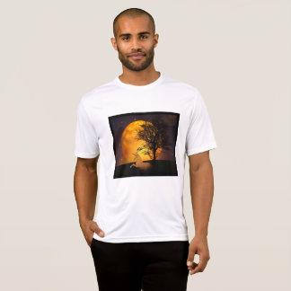 Camiseta Unicórnio que relaxa ocasional sob a árvore na