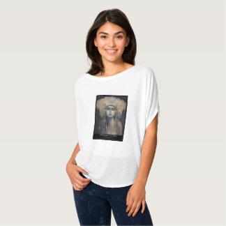 Camiseta URGÊNCIA de Calderon-Gómez da cotovia da VIDA
