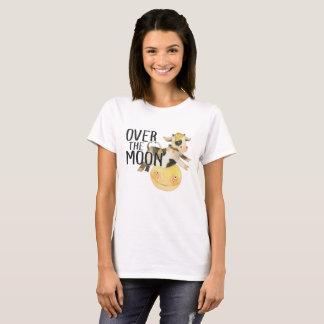 Camiseta Vaca do bebê sobre a mamã da lua ou o presente
