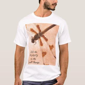 Camiseta VEJA a BELEZA nas coisas pequenas