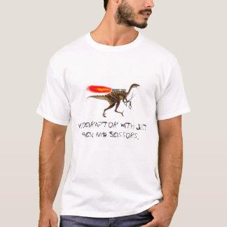 Camiseta Velociraptor com bloco e tesouras do jato