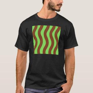 Camiseta Verde e listras da onda de Brown