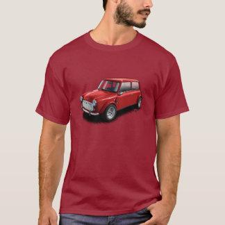 Camiseta Vermelho no mini t-shirt clássico marrom do carro