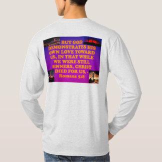 Camiseta Verso da bíblia dos romanos 5: 8.