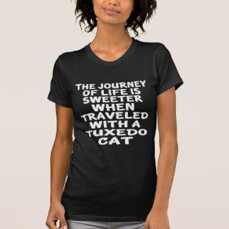 Camiseta Viajado com gato do smoking