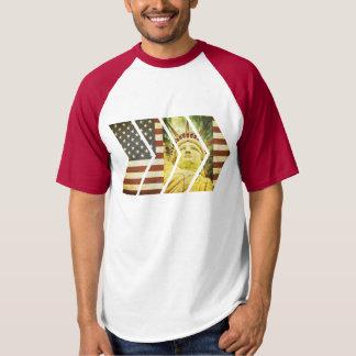 Camiseta Vigas da estátua da liberdade da bandeira dos EUA