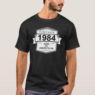 Camiseta Vintage 1984 envelhecido à perfeição. Aniversário