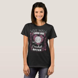 Camiseta Vive bem o Tshirt alto do Crochet do riso