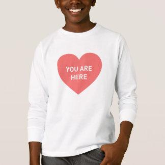 Camiseta Você está aqui coração vermelho