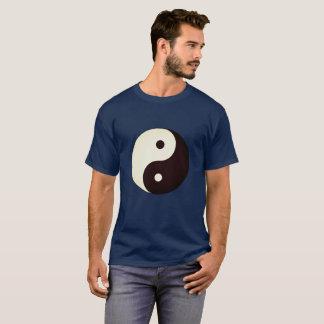 Camiseta Yin Yang no t-shirt dos homens dos azuis marinhos