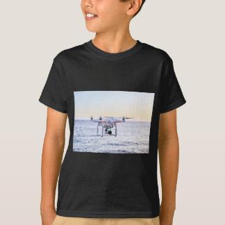 Camiseta Zangão do vôo na costa acima do mar