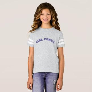 Camisetas do esporte da menina que expressa o
