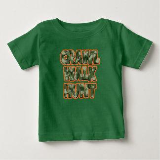 Camo da camisa do bebé da caça da caminhada do