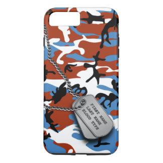Camo patriótico com dog tags capa iPhone 7 plus