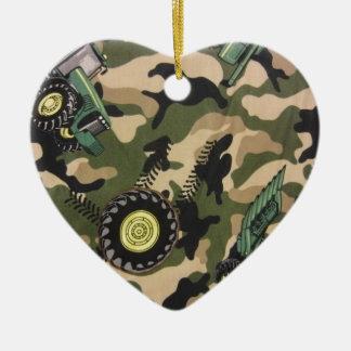 Camo & tratores ornamento de cerâmica coração