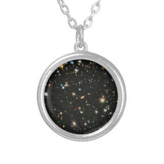 Campo ultra profundo de Hubble Colar Banhado A Prata