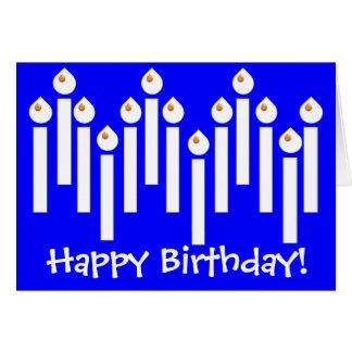Candels coloridos do feliz aniversario do partido cartão comemorativo