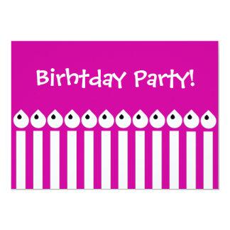 Candels coloridos do feliz aniversario do partido convites personalizado